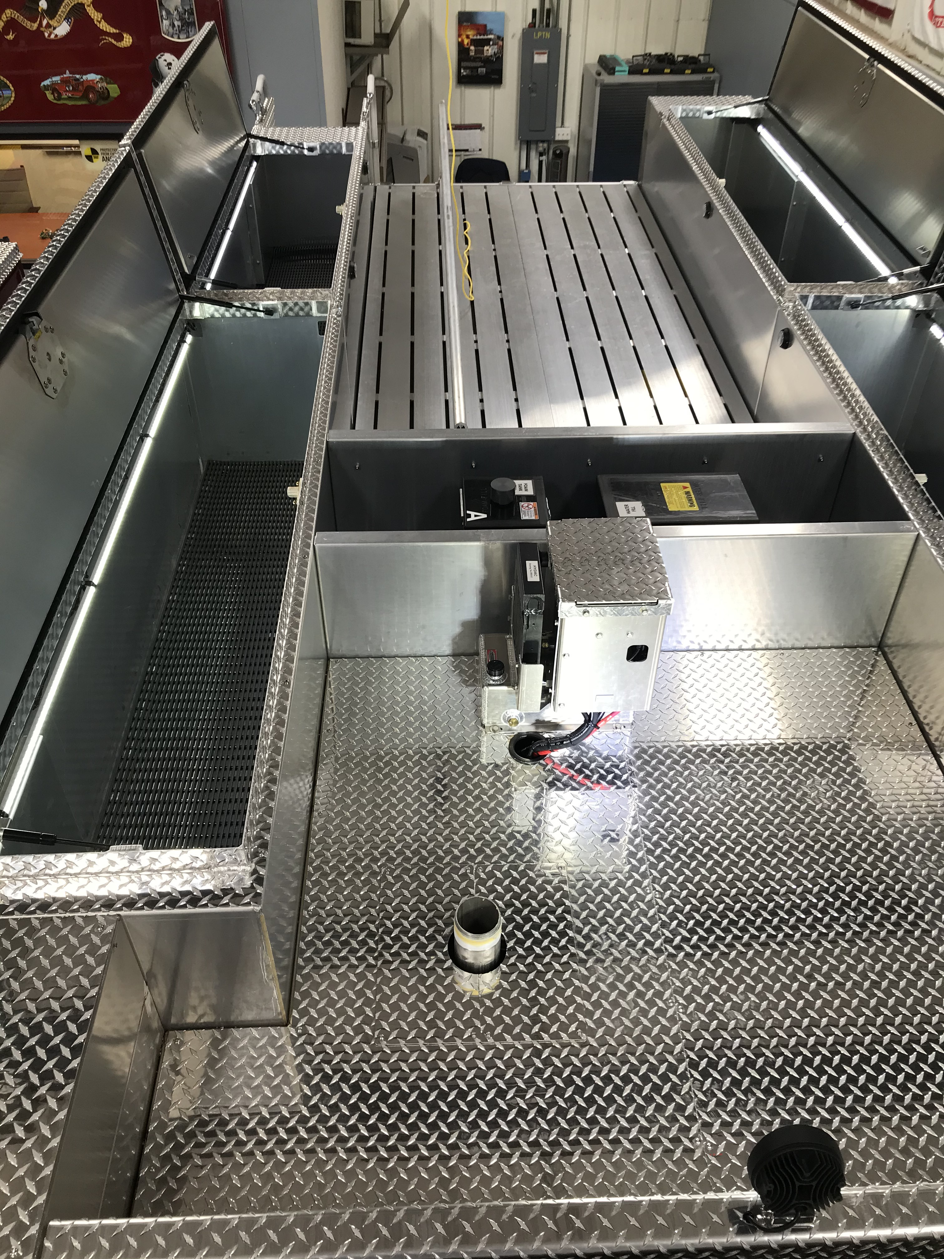34620-PS-hatch-compts