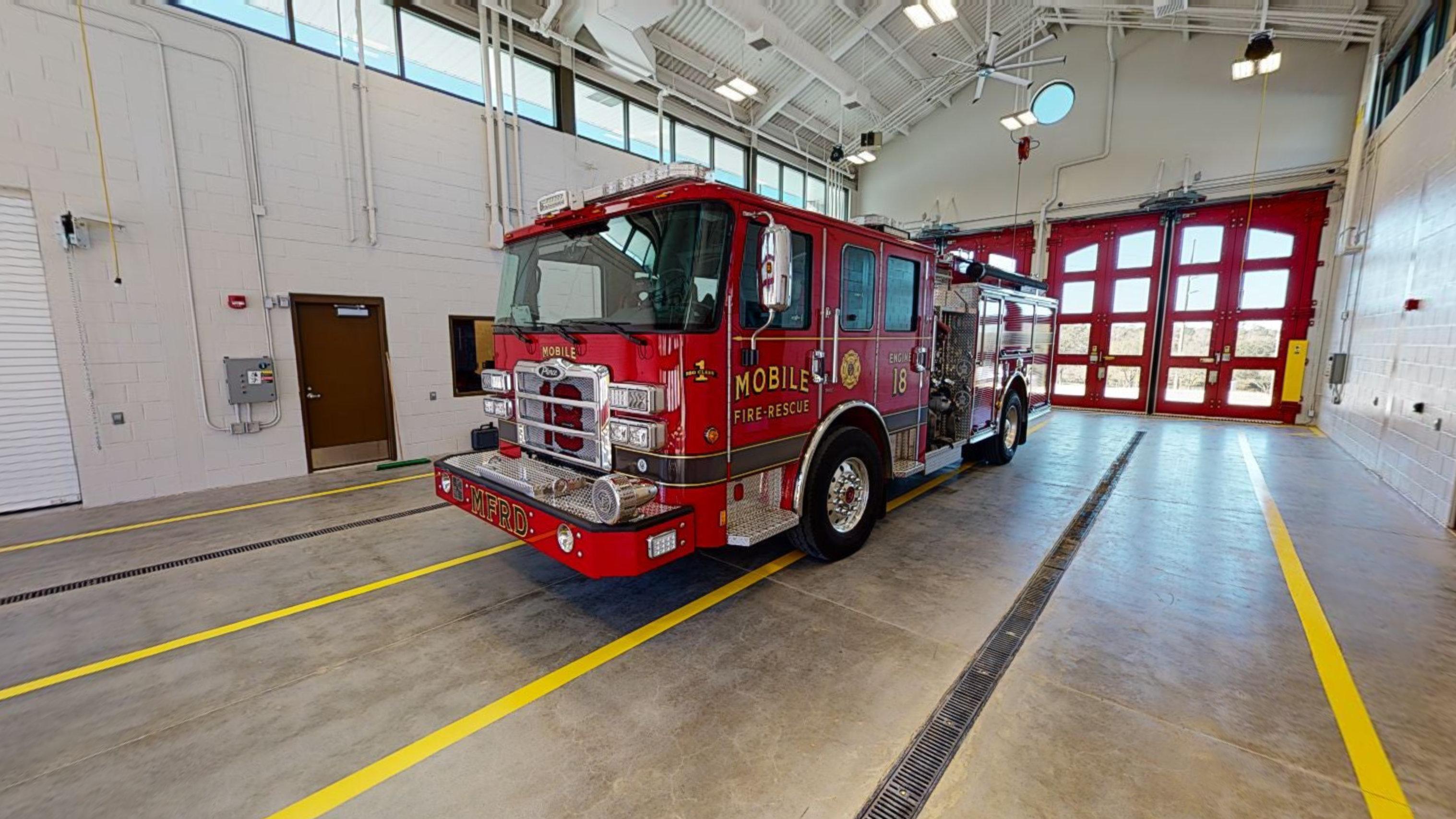 Mobile-Fire-Rescue-Engine-18-01152021_140550