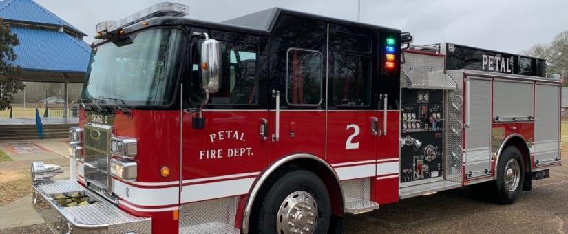 Pierce Saber Pumper to Petal Fire Department